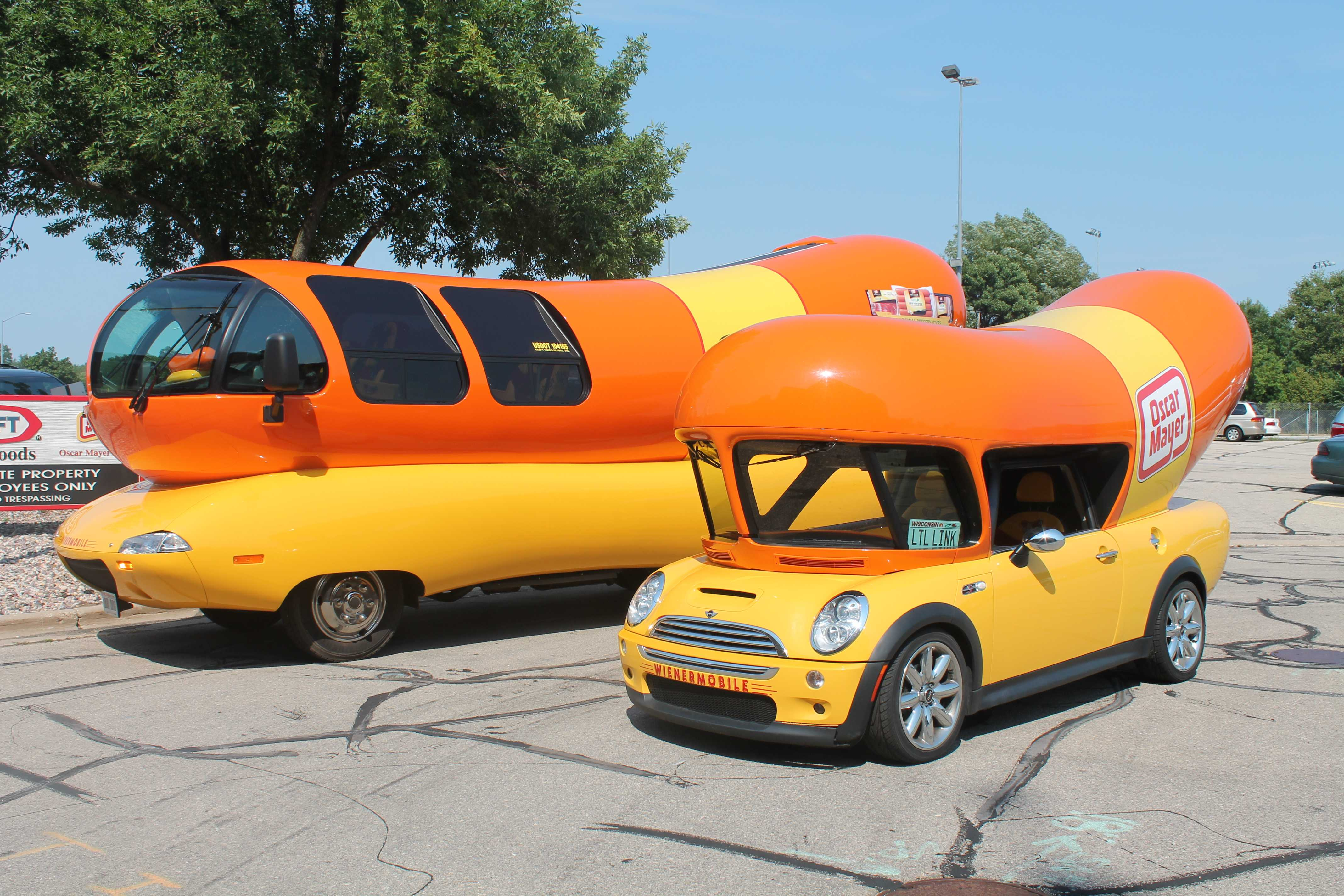 Wienermobile 101 on oscar meyer weenie mobile