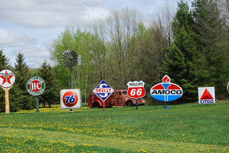wisconsin-gas-station-signs