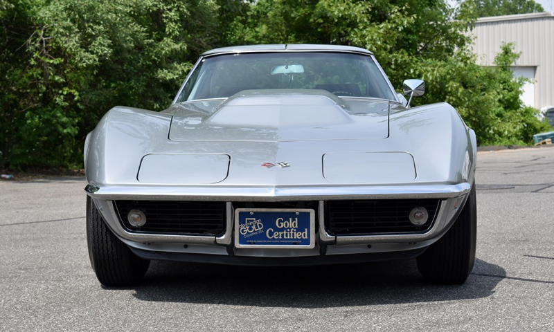 Lot688_1969-Chevrolet-Corvette-L88_front