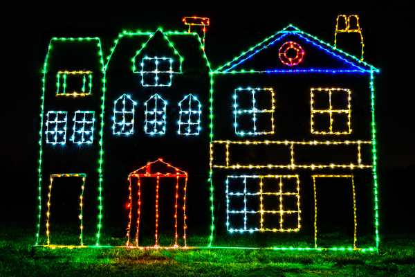 a portion of the proceeds from the magic of lights at daytona international speedway will benefit the